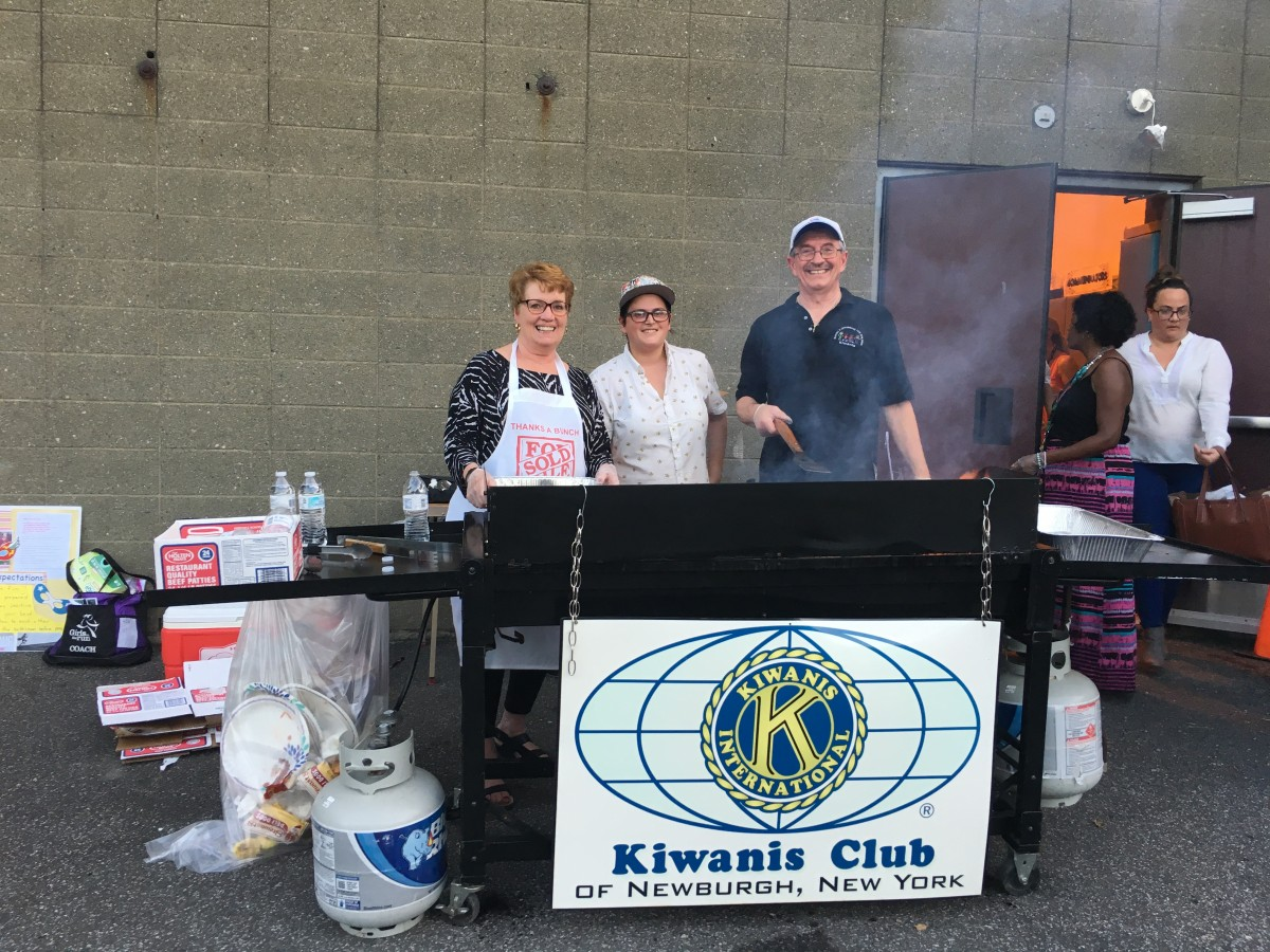 Kiwanis Club of Newburgh BBQing